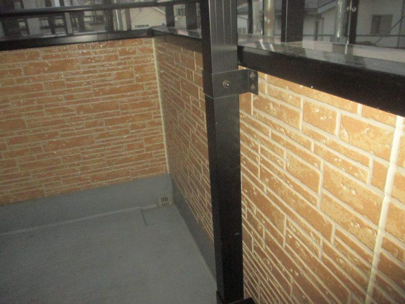 リフォーム施工中屋根重ね葺き工事・外壁塗装工事【43】川崎市宮前区Y様
