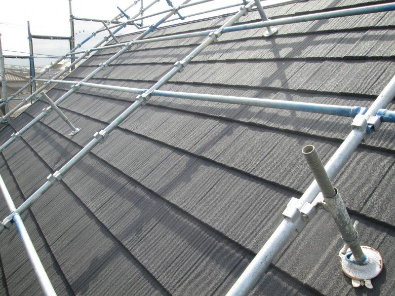リフォーム施工中屋根重ね葺き工事・外壁塗装工事【63】横浜市泉区K様