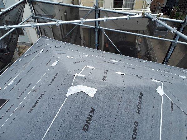 リフォーム施工中屋根重ね葺き工事、一部塗装工事、防水工事【84】横浜市緑区O様