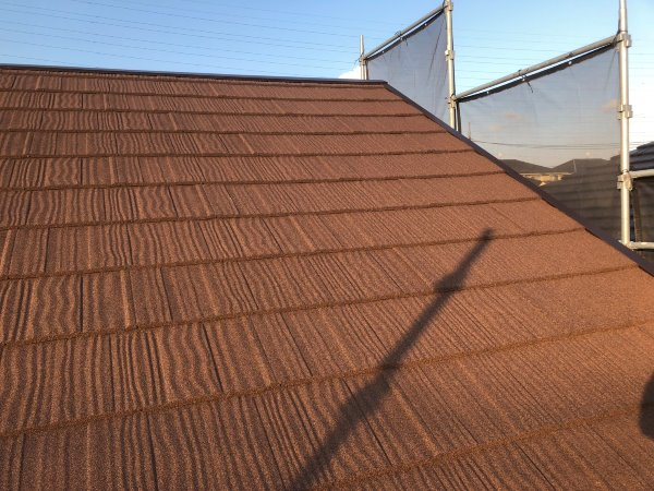 リフォーム施工中屋根重ね葺き、外壁塗装、雨樋交換工事【91】横浜市都筑区A様