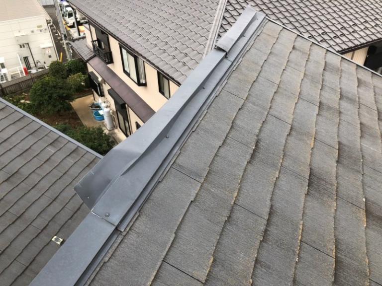 施工前屋根塗装工事、棟板金工事