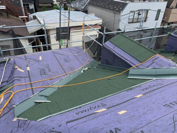 リフォーム施工中屋根重ね葺き工事、外壁その他【118】東京都世田谷区B様