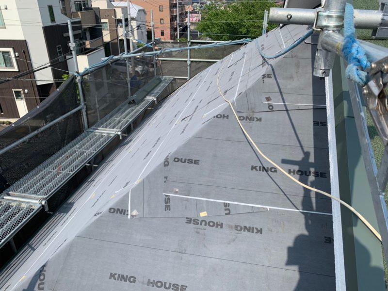 リフォーム施工中屋根重ね葺き、外壁塗装、雨樋交換【167】横浜市青葉区I様