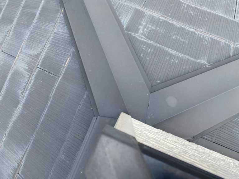 施工前屋根重ね葺き工事、外壁塗装工事、外塀塗装工事、雨樋交換工事【223】