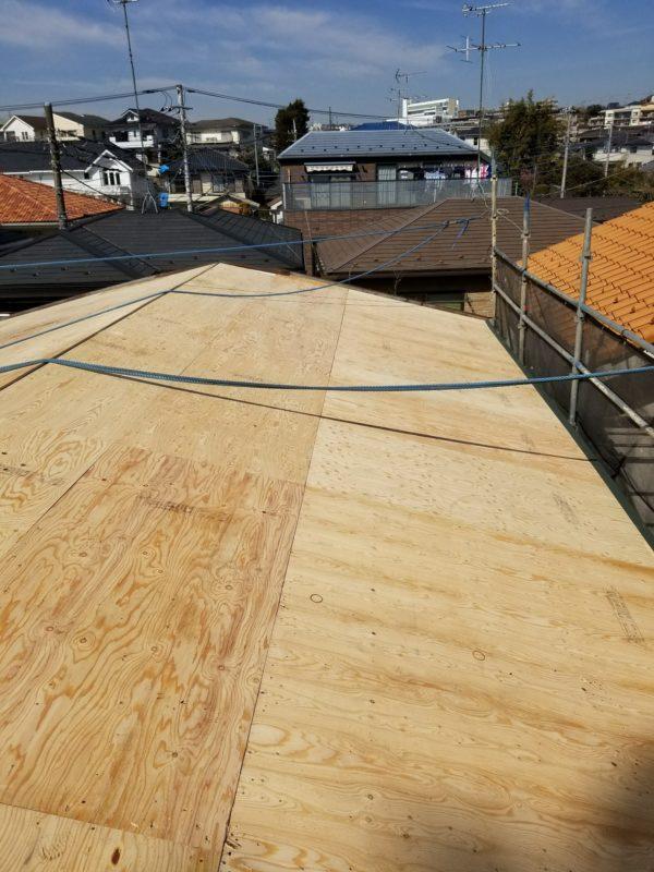 リフォーム施工中屋根重ね葺き工事、植栽伐採工事【228】