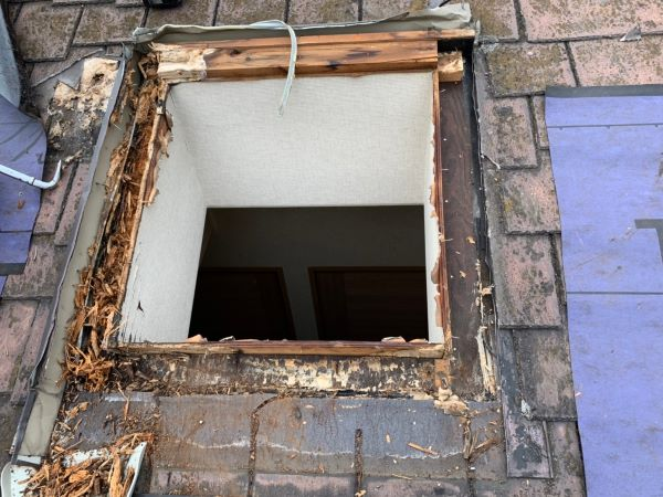 リフォーム施工中屋根重ね葺き、外壁塗装工事、内装工事【247】横浜市保土ヶ谷区