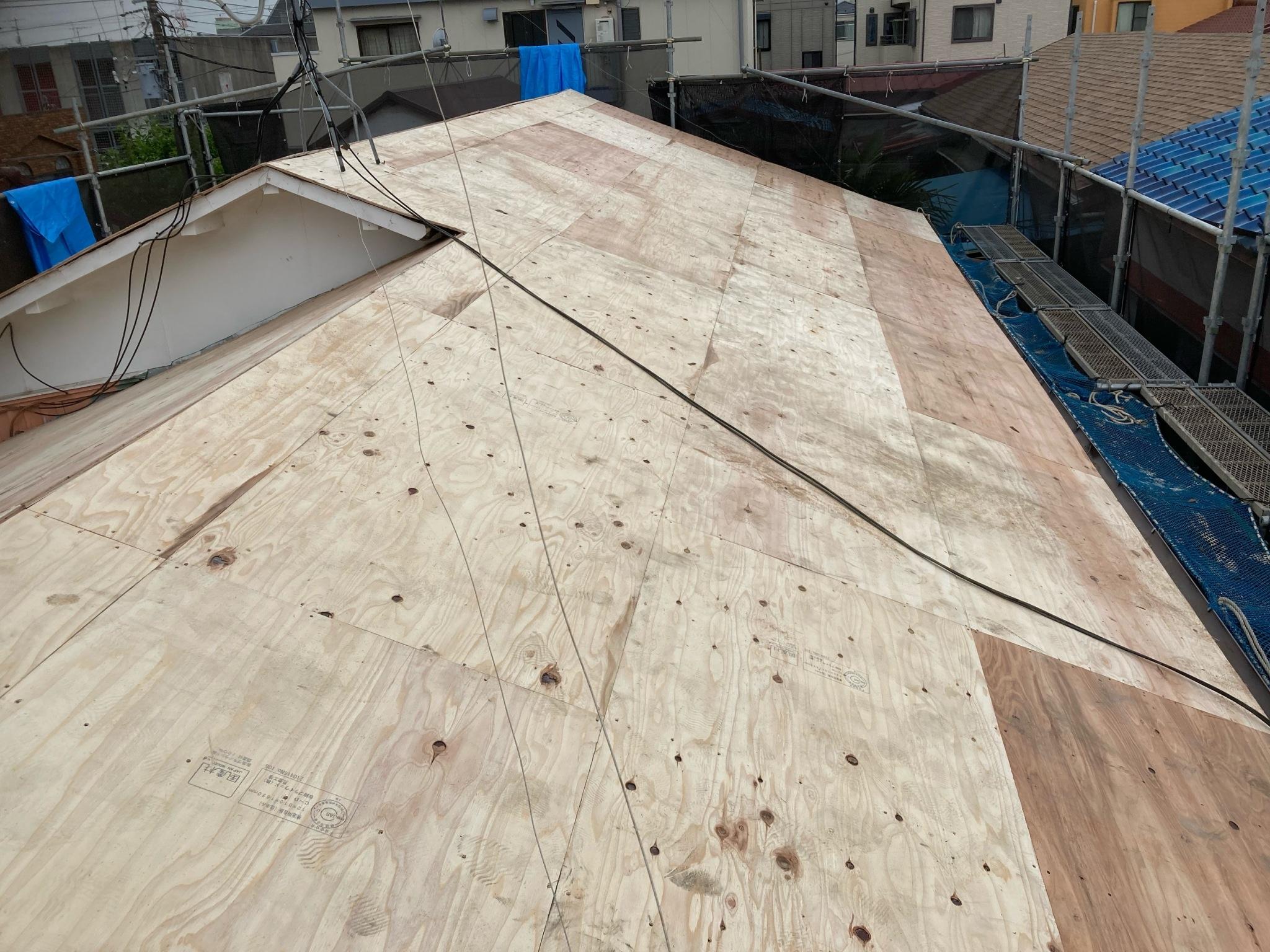 リフォーム施工中屋根葺き替え工事【280】厚木市